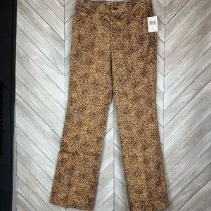 NWT Dana Buchman snake patterned pants. Multi.